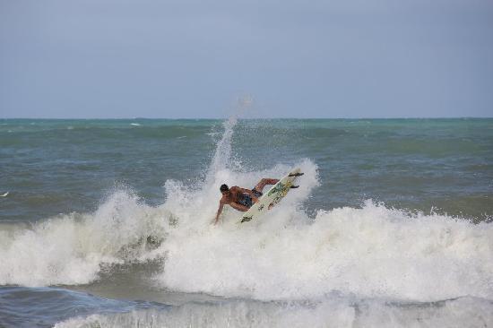 Toca da Coruja: Pipa - Surf