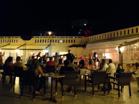 """Kalypso Cretan Village: Il """"consuto"""" ballo folcloristico"""