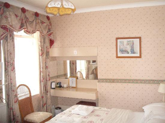Preste Gaarden: family room