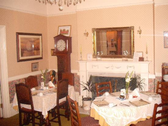 Preste Gaarden: dining room