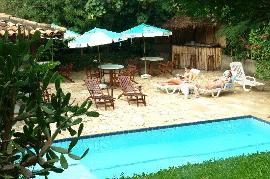 Pousada Saint Germain: the swimming pool and patio
