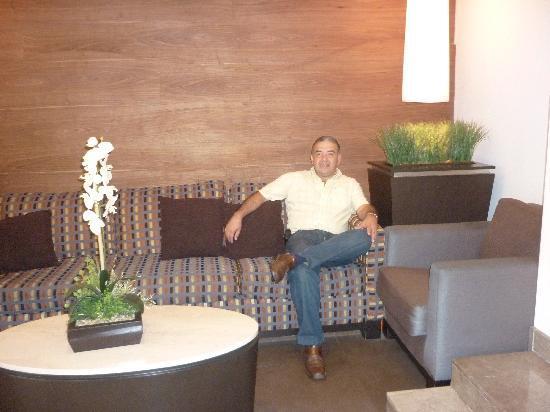 هوتل ميتروبول: RECEPCION HOTEL
