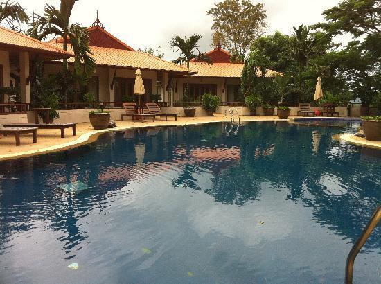Rising Sun Residence: Big Pool!
