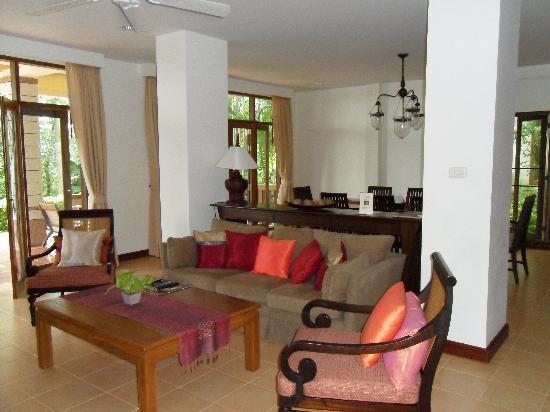 Rising Sun Residence: TV Area