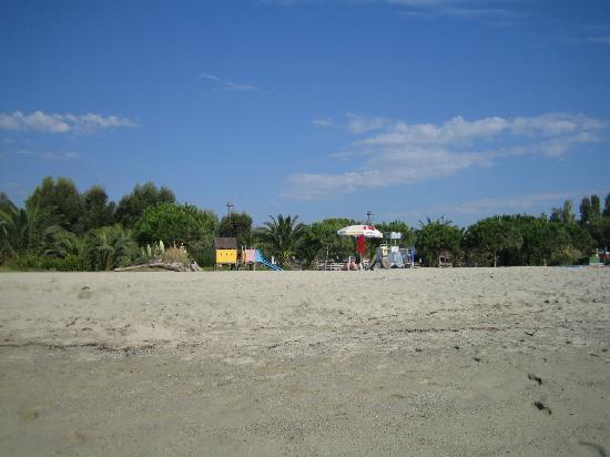 Camping Arinella Bianca: Vue plage