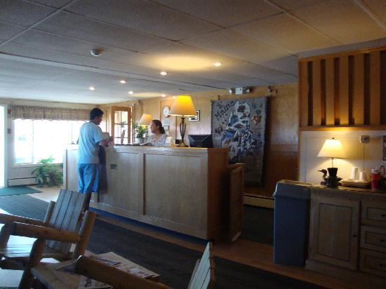 Vacationland Inn: Very friendly front desk