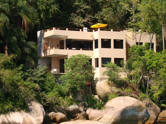 Vila Pedra Mar: Vila PedraMar, a hidden pousada on Praia Vermelha, Ilha Grande, Brazil