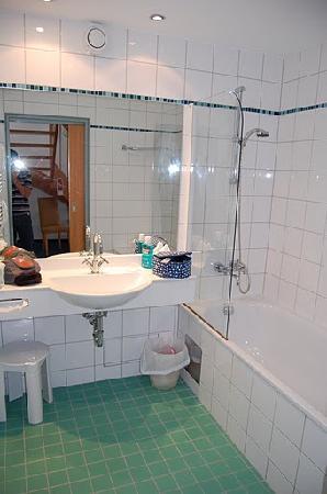 Amadeo Hotel: bagno ( wc su stanzino separato)