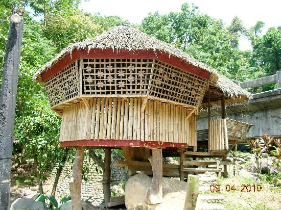 The Inns Bacolod by The Oriental: nipa hut for lunch in Mambukal Resort