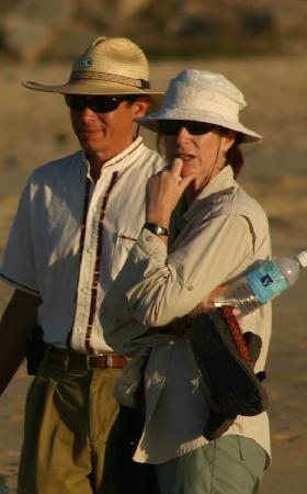 Los Colibris Casitas: Sergio guides a beach walk and hike.