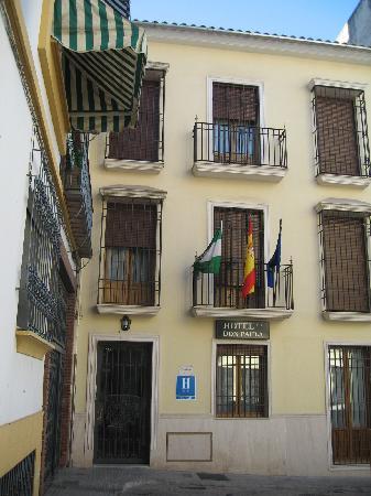 Hotel Don Paula: FACHADA