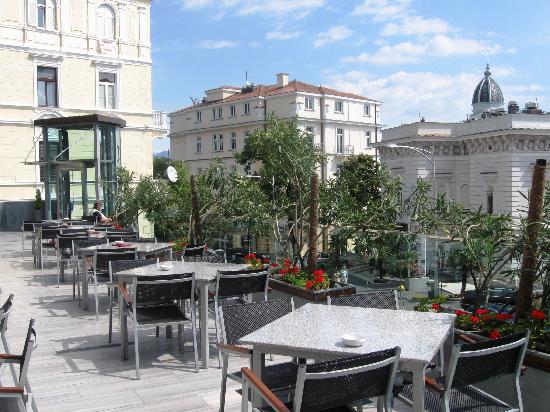 Terrasse mit meerblick bild von hotel astoria by ohm for Design hotel astoria