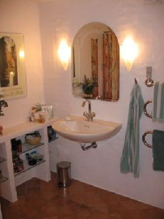 The B&B-House - Bathroom