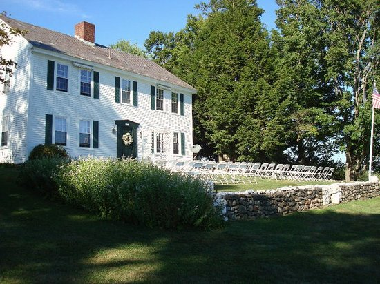 Marlboro, VT: Front of the inn - our ceremony location