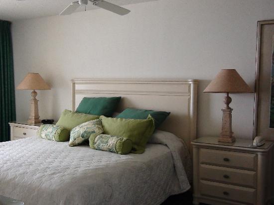 The Ocean Bay Club : Master/King Bedroom
