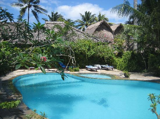 Anom Beach Inn Bungalows: Der kleine aber feine Pool