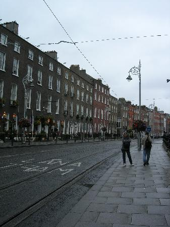 Harrington Hall : Harcourt st, vi dà l'idea di quanto è larga