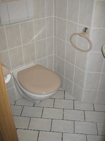 Hotel B1: WC