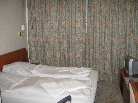 Hotel B1: Doppelbett