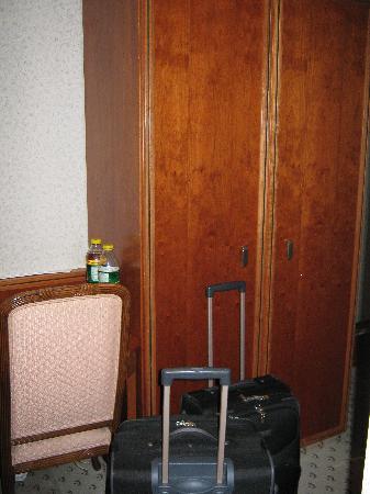 Hotel B1: Kasten