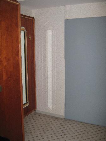 Hotel B1: Garderobe