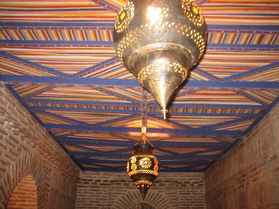 Riad Maipa: Ceiling of sitting place