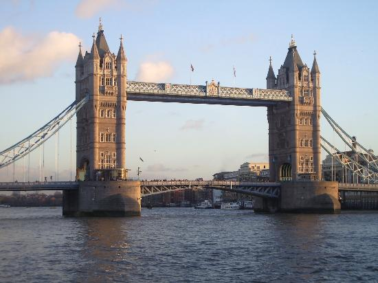 สะพานทาวเวอร์บริดจ์: vista maravillosa