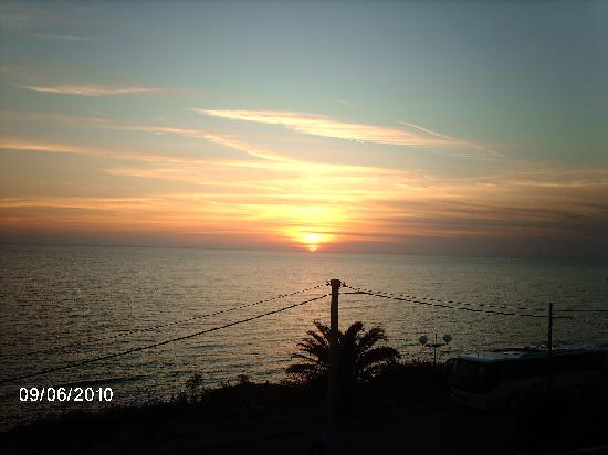 Anzio, Italien: Meer vom Balkon