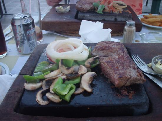 The Sizzling Stone : our steak