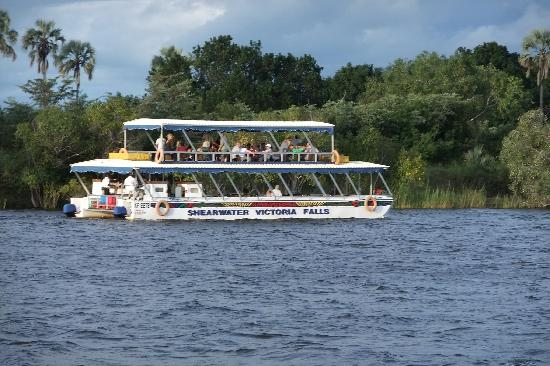 Ilala Lodge: Upper Zambezi River Cruise