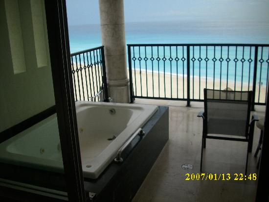 pic of the hotel beach picture of grand park royal. Black Bedroom Furniture Sets. Home Design Ideas