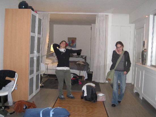 Palace B&B: chambre tres spacieuse