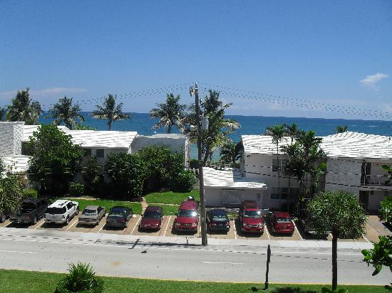 Lauderdale By The Sea Resort : view from room