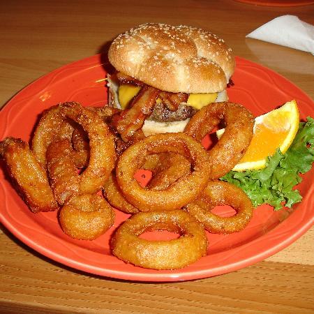 Daniel's Restaurant on the River: Bacon CheeseBurger