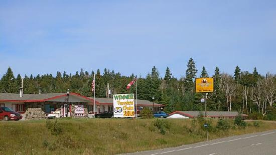 Northern Lights Motel & Chalets - Wawa: The Northern Lights Motel of Wawa, Ontario