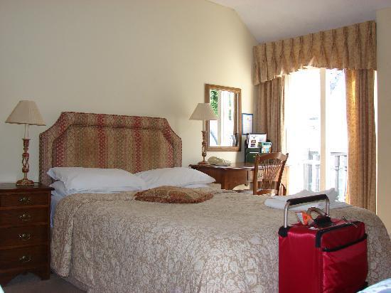New Inn: The room