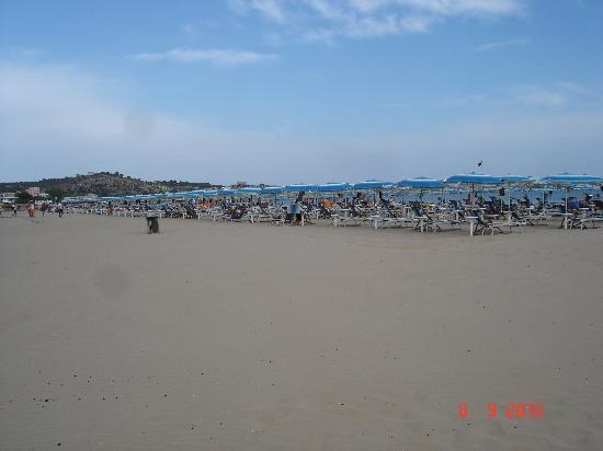 Baia degli Aranci: am Strand