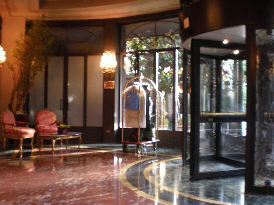 Hotel Principe Di Savoia: Lobby