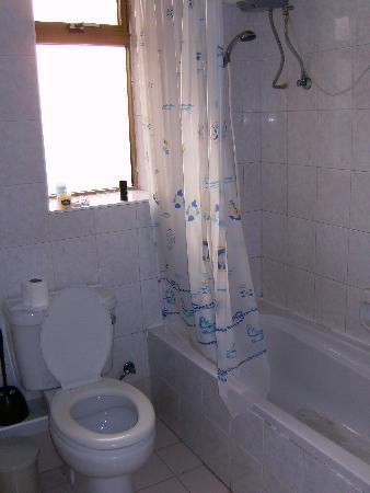 The Clover Court: Bathroom