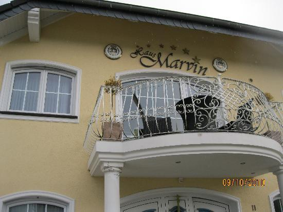 Haus Marvin: front of haus