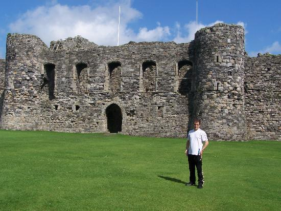 Beaumaris, UK: Inside the middle of the castle