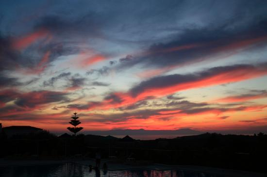 Aloni Suites: Sunset