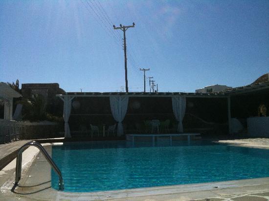 Anemoessa Boutique Hotel: la piscina