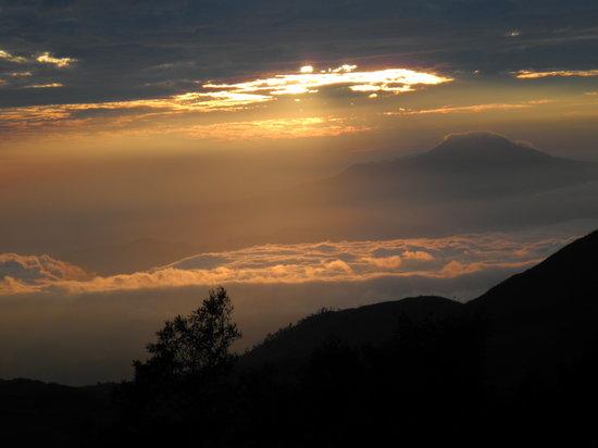 Dieng, Индонезия: Sonnenaufgang Gunung Sikunir