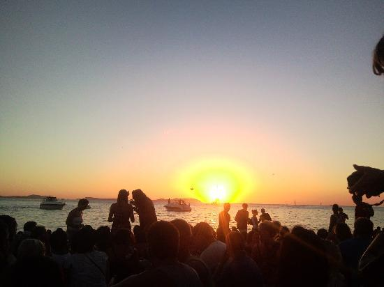Laura S Atalaya: Cafe Del Mar Sunset - Hs To Be Experienced