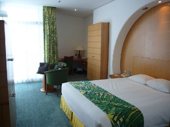 Mercure Grand Jebel Hafeet Al Ain: Zimmer
