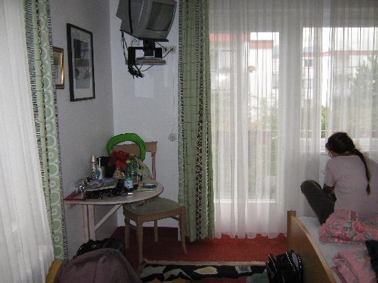 Gartenhotel Garni Pension: Doppelbett
