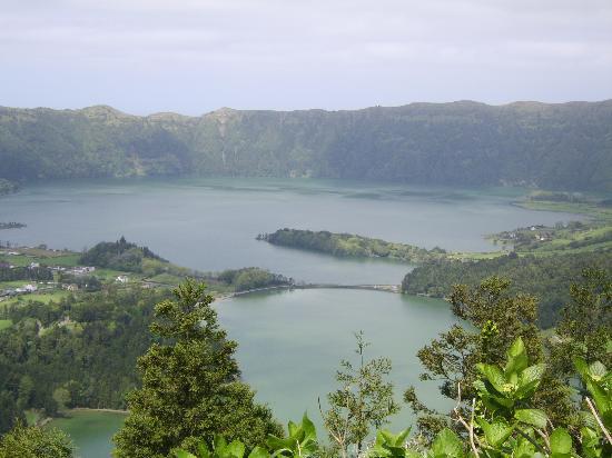 Ponta Delgada, البرتغال: Volcanic lakes