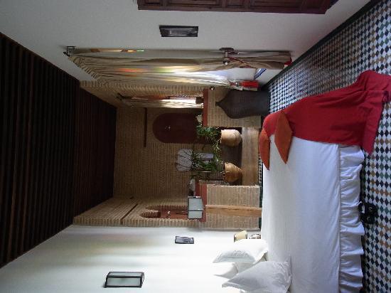 Riad Laaroussa Hotel and Spa: Riad Laaroussa - Rotes Zimmer