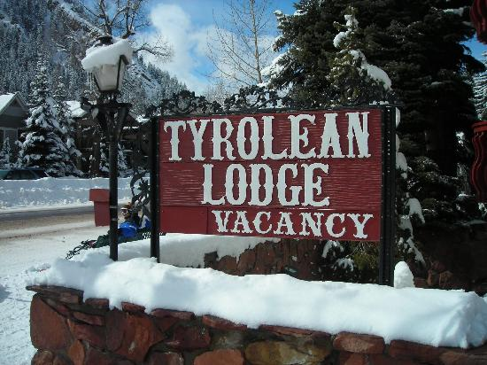 Tyrolean Lodge: Sign on Main St.